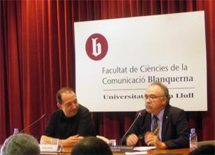 Vicent Sanchís i Carod-Rovira durant la conferència a Blanquerna